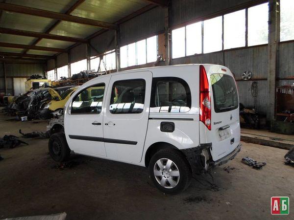 накладка решетки радиатора для Renault Kangoo - купить на Автобазаре - фото 2