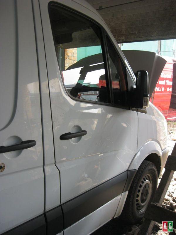 дверь передняя для Mercedes-Benz Sprinter - купить на Автобазаре - фото 1
