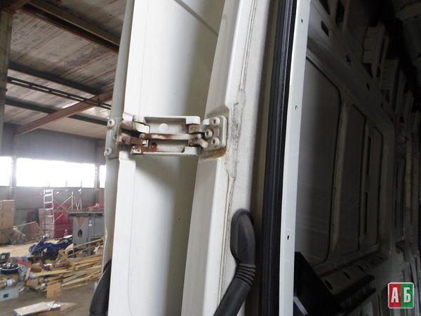 петля двери для Volkswagen Crafter - купить на Автобазаре - фото 4